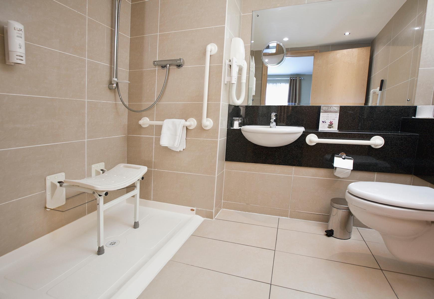 Academy Plaza Hotel | Dublin | Wheelchair friendly rooms with roll in showers